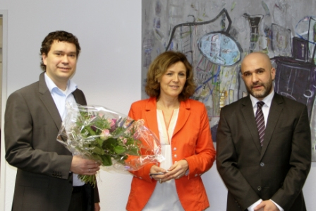 Frau Oberbürgermeisterin Britz im Austausch mit Dr. Norbert Pfleger und Jochen Steigner von der SemVox GmbH.