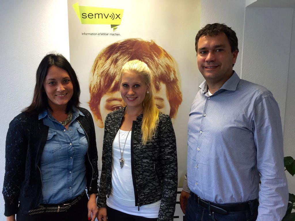 HR-Managerin Sarah Ziegler mit Fabienne Leidner und SemVox-CEO Dr. Norbert Pfleger